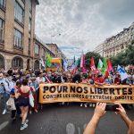 Fransa'da yüzbinler, ırkçılığa ve her türden ayrımcılığa karşı yürüdü !